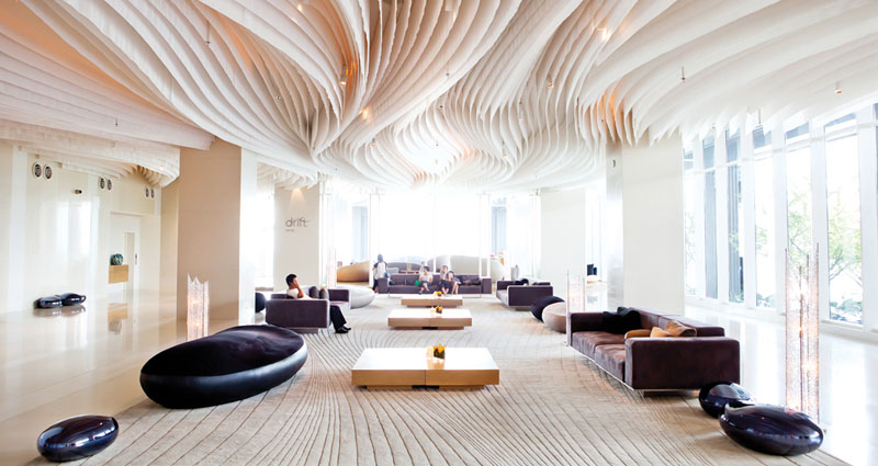 Hotels Embracing Communal & Coworking Spaces